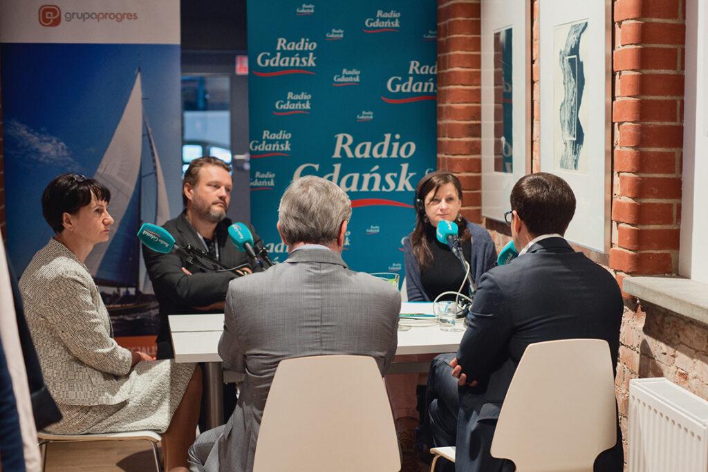 """radio 1024x683 - """"Ludzie i pieniądze"""" w Radiu Gdańsk"""